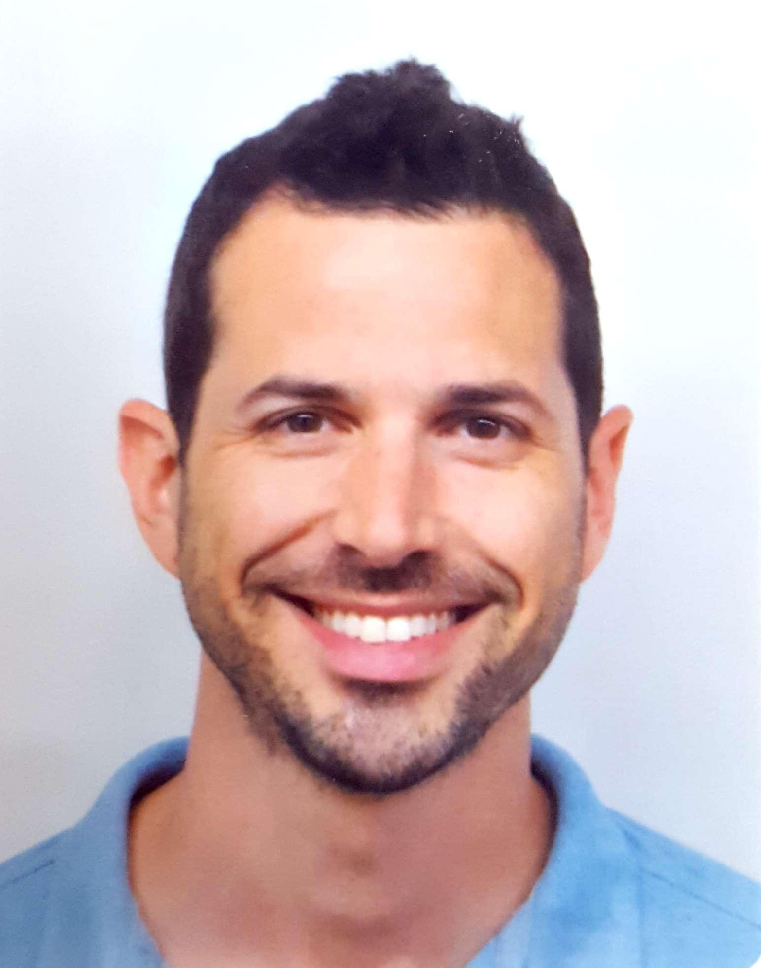 """ד""""ר רועי סיימון רפואת שיניים משמרת ומשחזרת"""